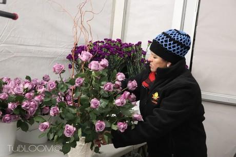 Blue Rose Brings Elegance To Grammys Red Carpet